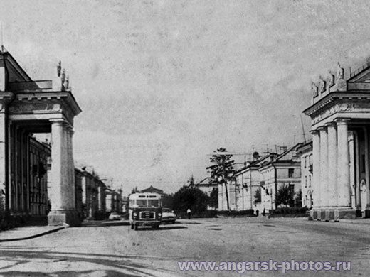 фотография ангарских ворот 1970г