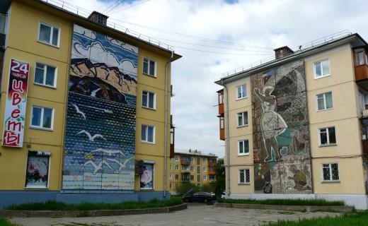 Мозаики на торцах домов в Ангарске