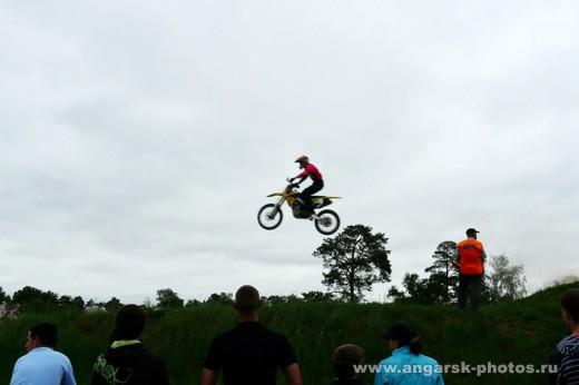 Прыжок на мотоцикле
