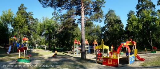 Детская площадка в парке нефтехимиков