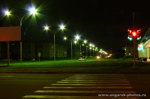 Улица Космонавтов ночью