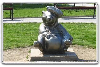 Памятник сурку - сувенир