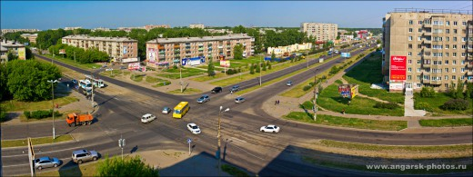 Перекресток Ангарского проспекта и ул Коминтерна