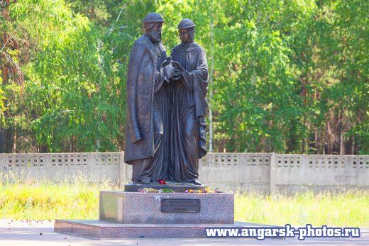 Памятник Петру и Февронии в Ангарске